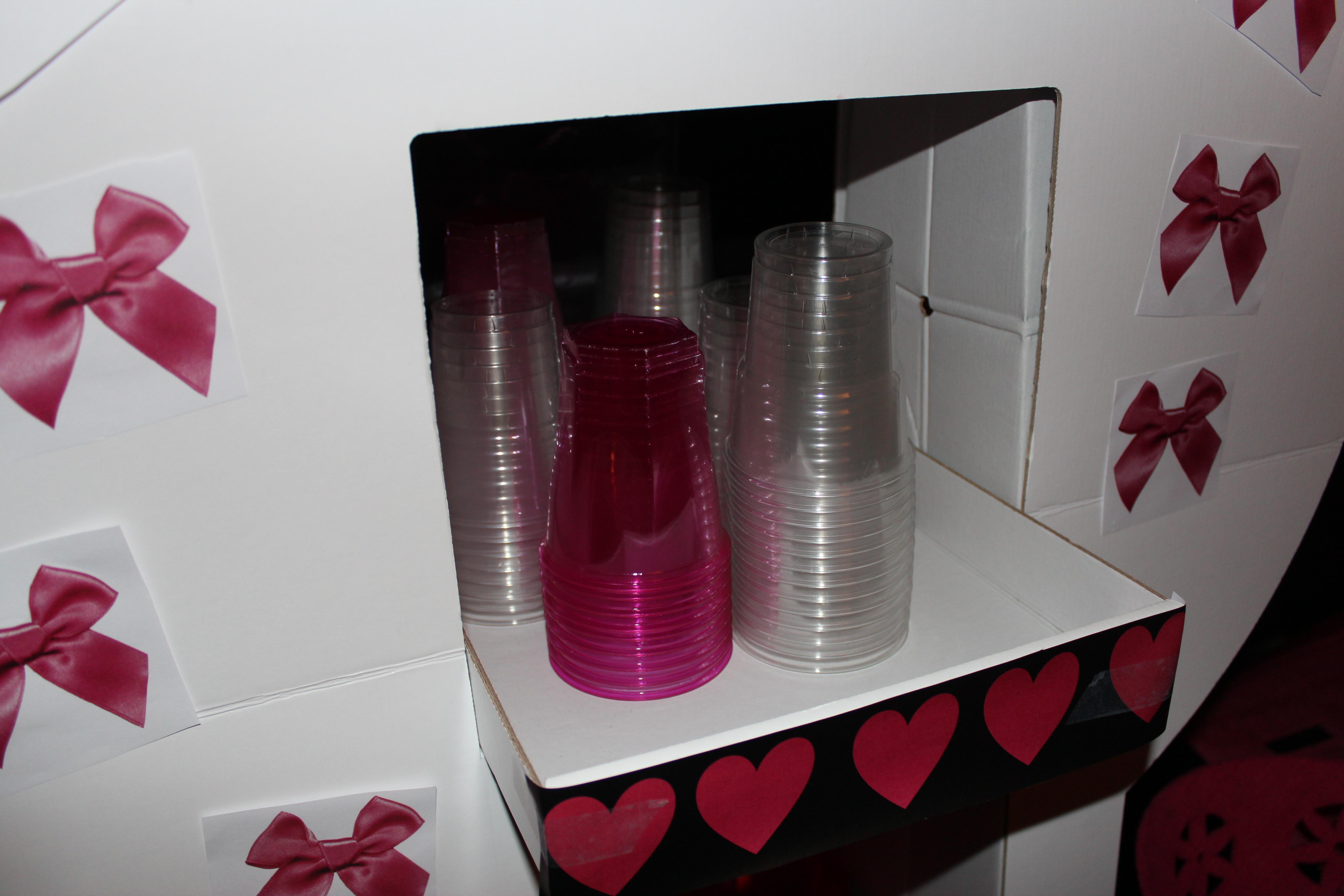 soir e pink black pour c libataires les petits carnets d 39 ella. Black Bedroom Furniture Sets. Home Design Ideas